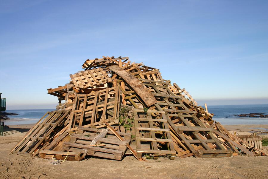 Bonfire-wood-November-5